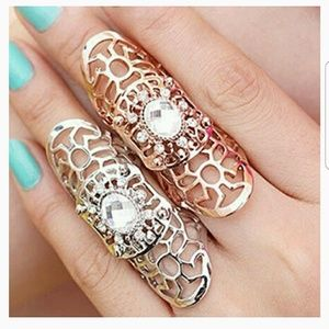 Jewelry - Beautiful Vintage Rhinestone Ring
